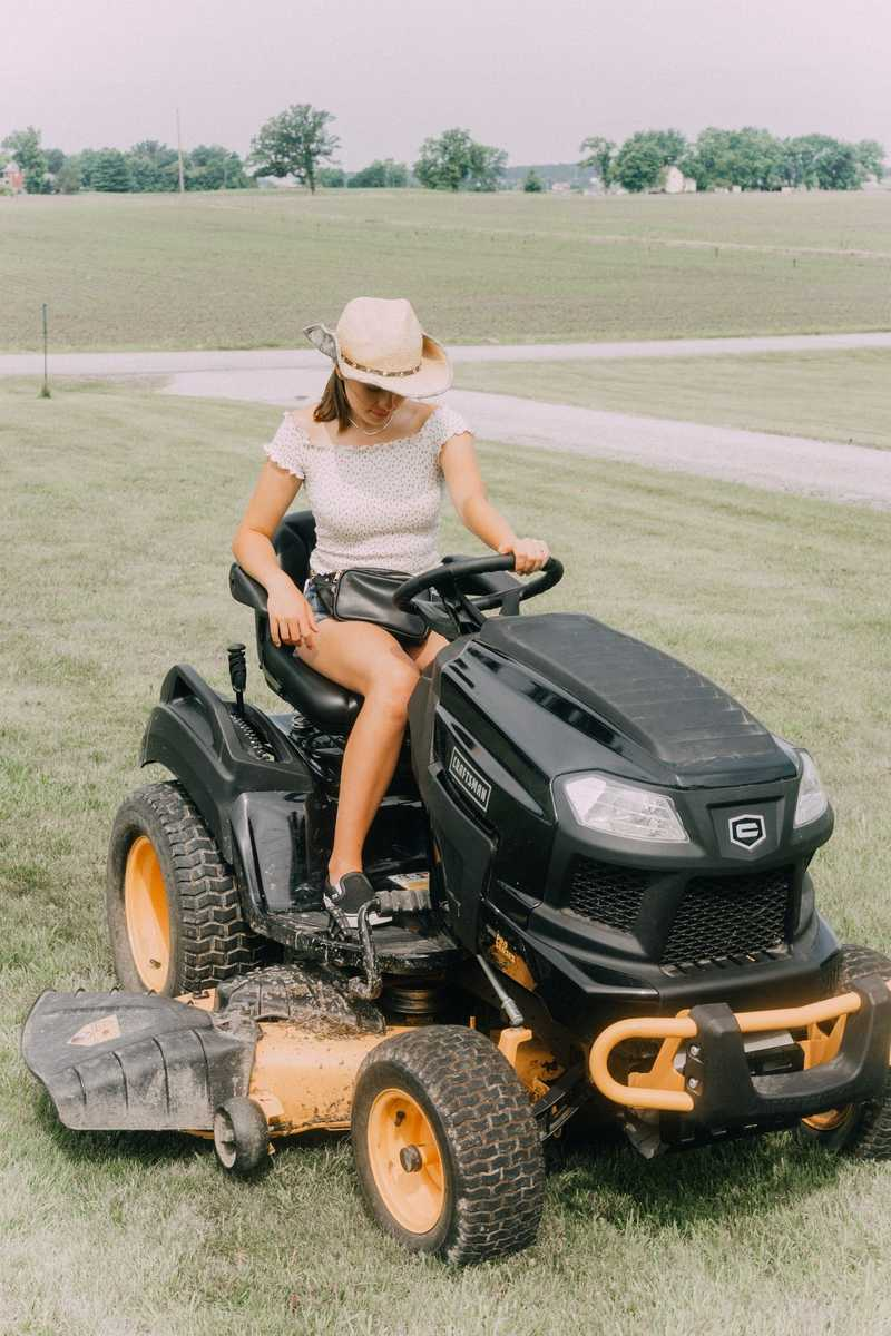 Best Zero Turn Mowers To Get Your Yard Done In 1/2 The Time